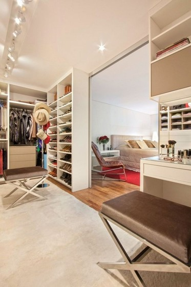 Closet Planejado com Sapateira Riviera de São Lourenço - Closet Planejado de Móveis