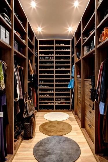 Closet Planejado em Madeira Bertioga - Closet Planejado de Casal