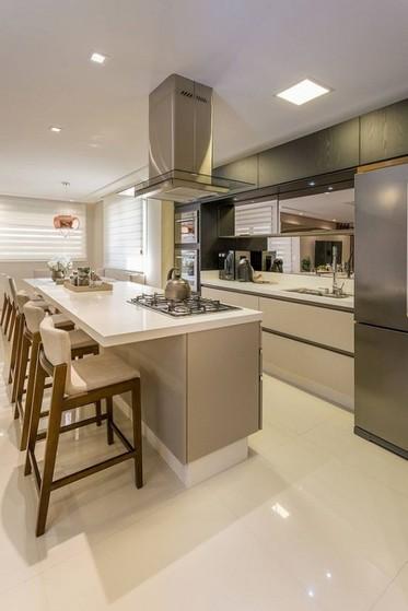 Cozinha Planejada com Ilha Preço São Paulo - Cozinha Planejada Amadeirada