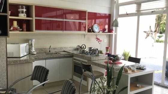 Cozinhas Planejadas com Ilha Bertioga - Cozinha Planejada Amadeirada