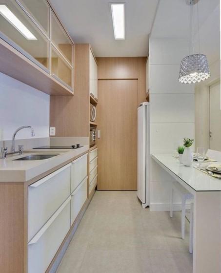 Onde Encontro Cozinha Planejada Apartamento Riviera de São Lourenço - Cozinha Planejada com Ilha