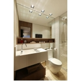 banheiro planejado com espelho Zona Leste
