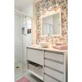 banheiro planejado de apartamento Bertioga