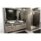 banheiro planejado grande Riviera de São Lourenço
