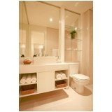 banheiros planejados para espaço pequeno Riviera de São Lourenço