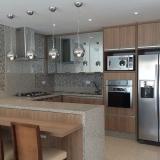 cozinha planejada amadeirada Guarulhos