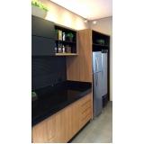 cozinhas planejadas de madeira Suzano